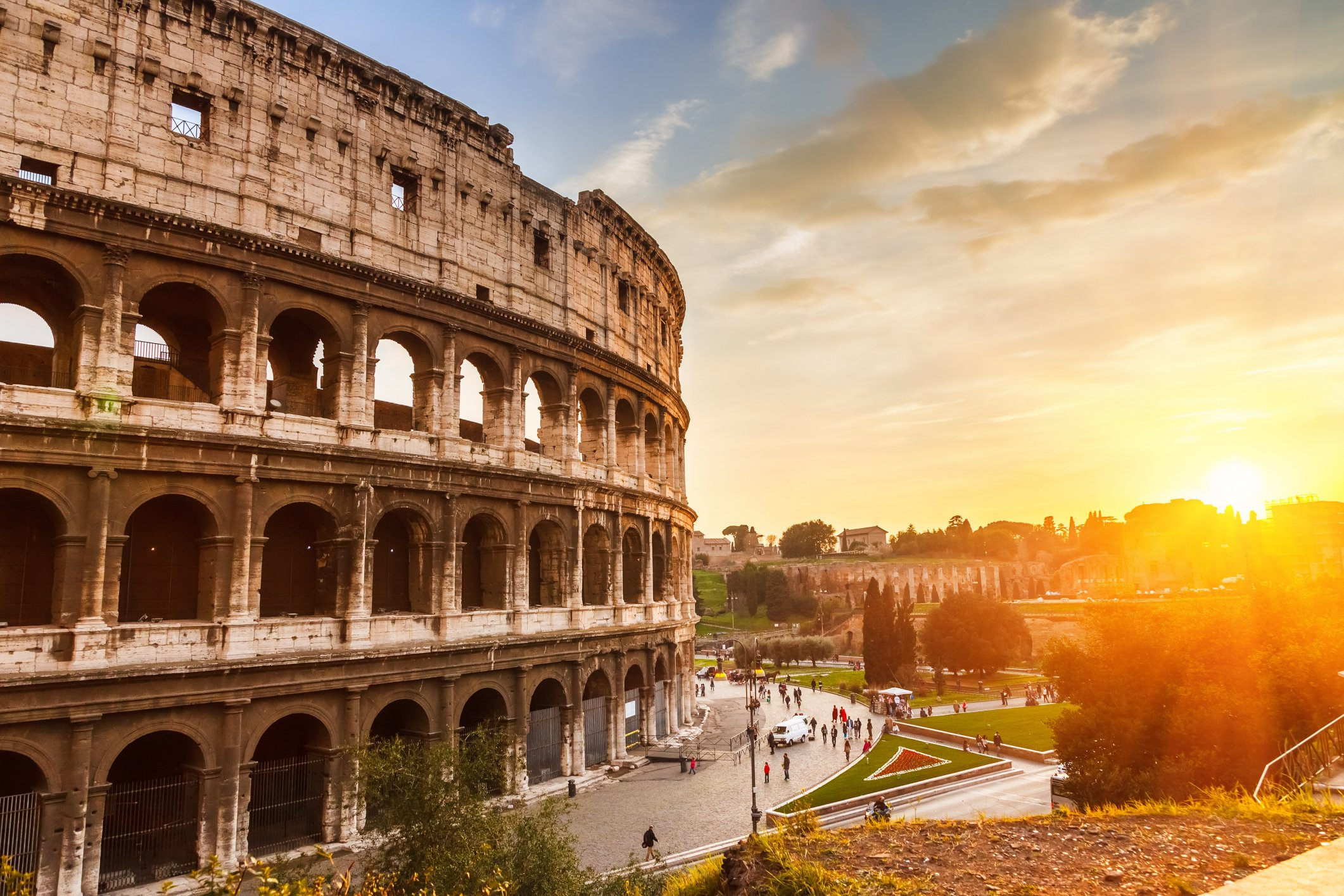 background information of the south european country of italy Background checks with the help of third parties are therefore only admissible if the reliability of the applicant is of particular relevance, eg, in finance and childcare, or where special information is essential for the employment relationship.